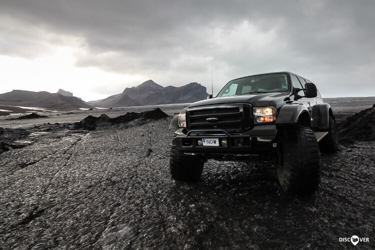 NOW-super-jeep-glacier
